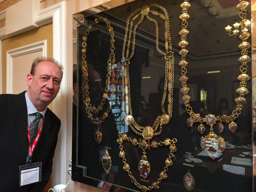 Mayors' chains from 5 of the 6 towns